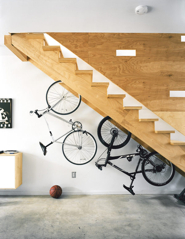storage-ideas-under-stairs-in-hallway7